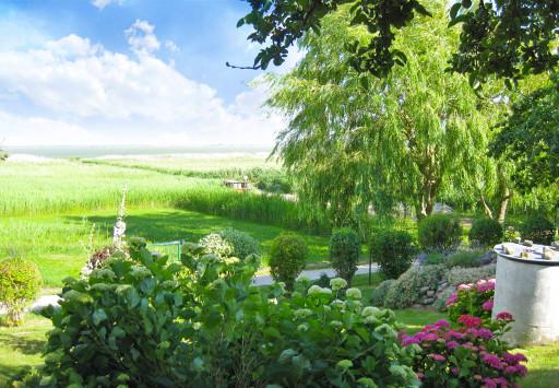 Altes Backhaus Garten mit Blick auf den Bodden
